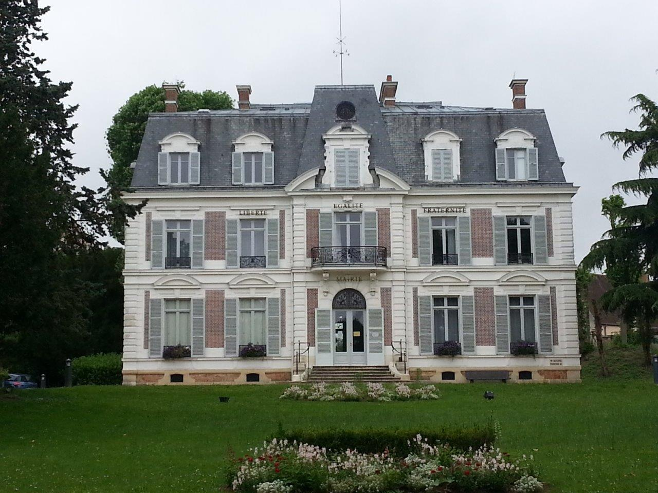 Forges-les-Bains - mairie