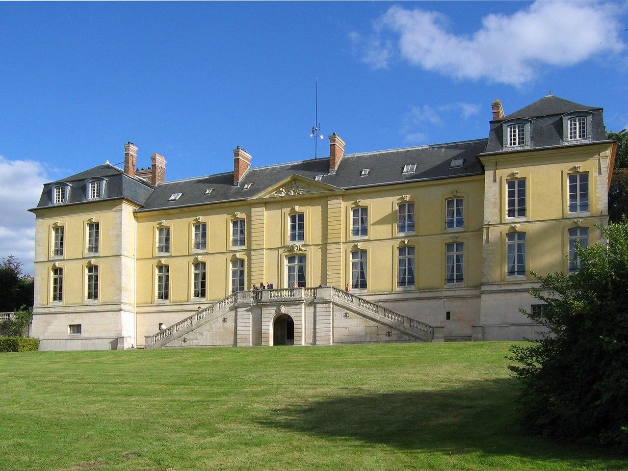 Chateau la celle saint cloud